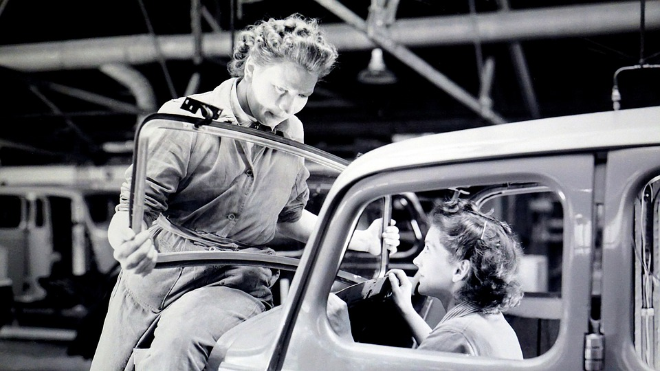 WW2-factory-woman-homefront-2